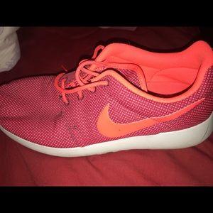 Nike Roshes (women's 9)